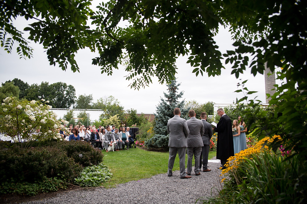 outdoor wedding ceremony at Buffalo Botanical Gardens