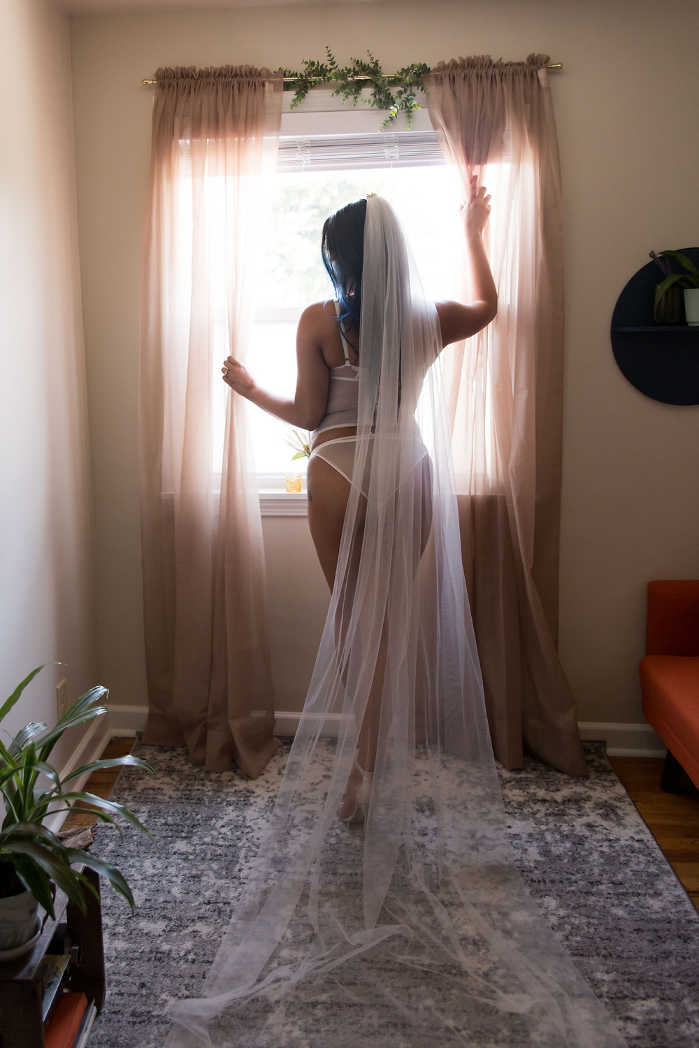 client closet bridal veil available for Buffalo NY boudoir photo studio