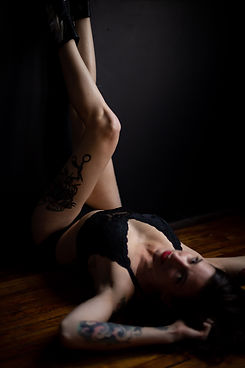 Buffalo-NY-Boudoir-Photo-Studio-Valentin