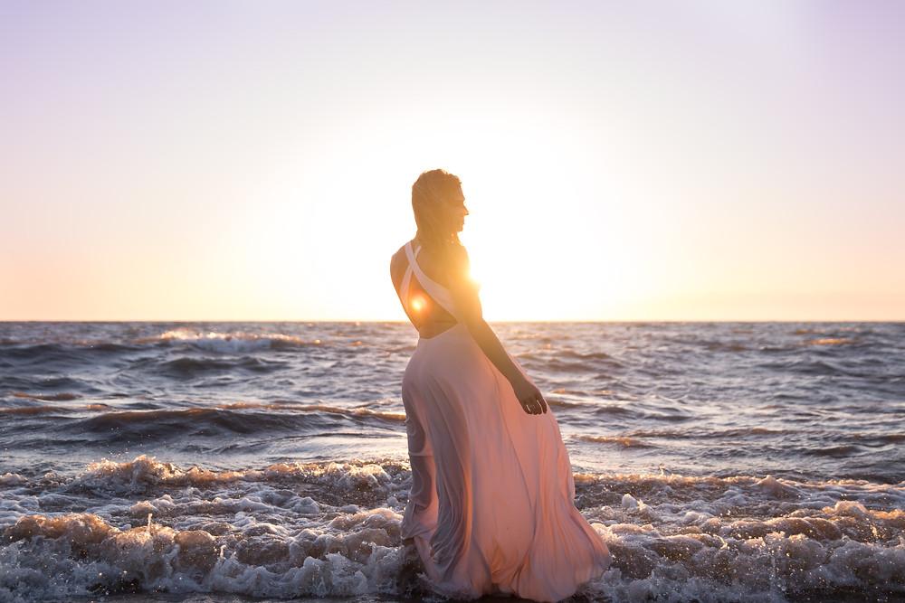 beach babe boudoir photo shoot buffalo ny Jaimie Ellis Photography lake erie sunset