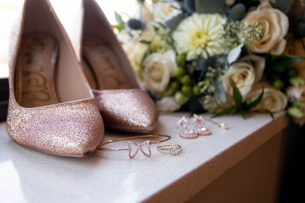getting ready bride details shoes jewelry bouquet williamsville hotel