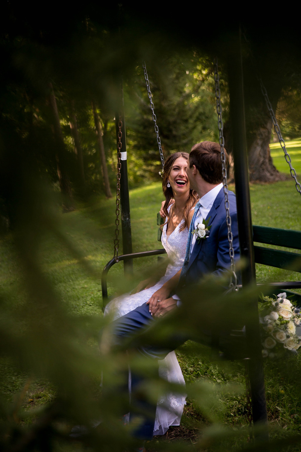 bride and groom Island Park Williamsville NY wedding day bridal portrait