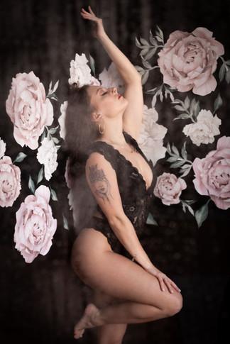Buffalo-boudoir-photo-studio-shower-Jaim