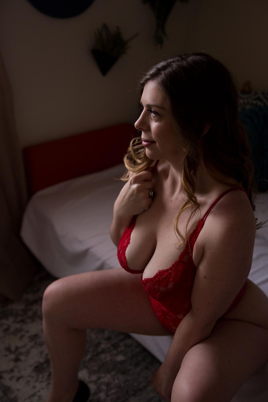 Valentine's gift idea for boyfriend girlfriend husband wife boudoir photo studio Buffalo