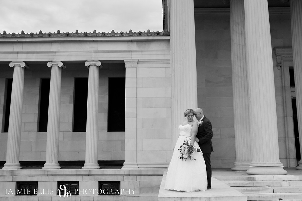 bride and groom wedding photo at Delaware Park Albright Knox Art Gallery in Buffalo