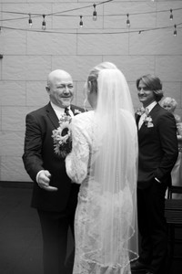 dad sees bride for the first time reveal - 13 must have getting ready wedding day photos