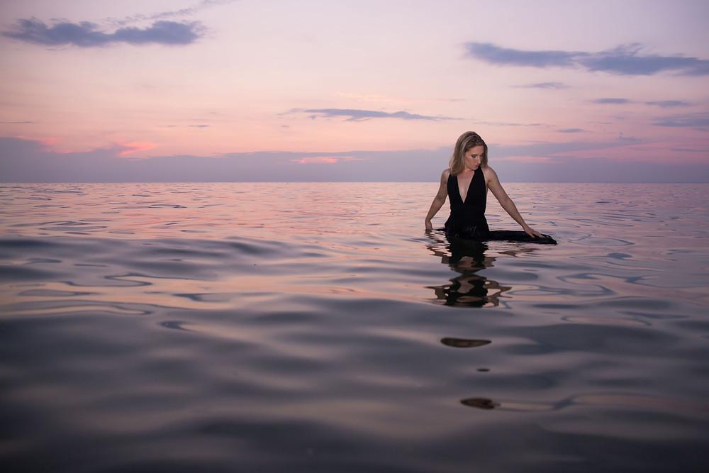 beach babe boudoir photo shoot buffalo ny Jaimie Ellis Photography sunset over lake erie
