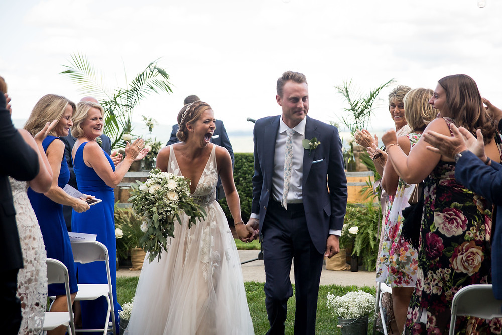 Heron Hill Wedding ceremony overlooking Keuka Lake Finger Lakes NY