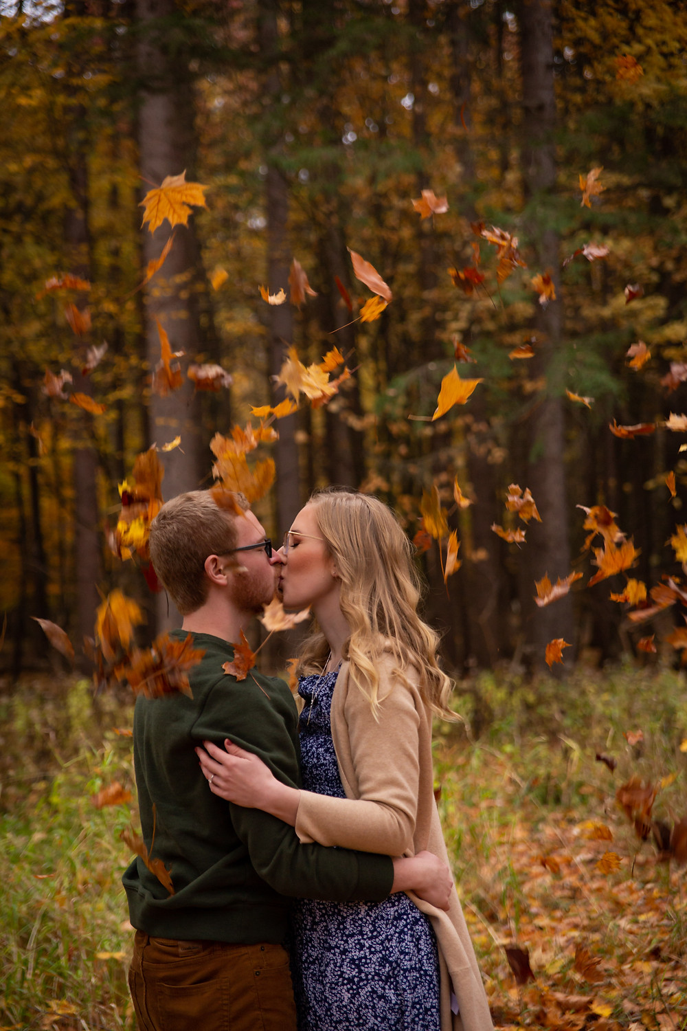 letchworth state park fall engagement photo shoot