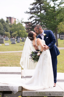 bride and groom at Forest Lawn Cemetery in Buffalo NY