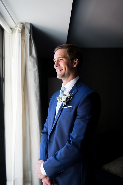 wyndham garden williamsville groom portrait getting ready photo