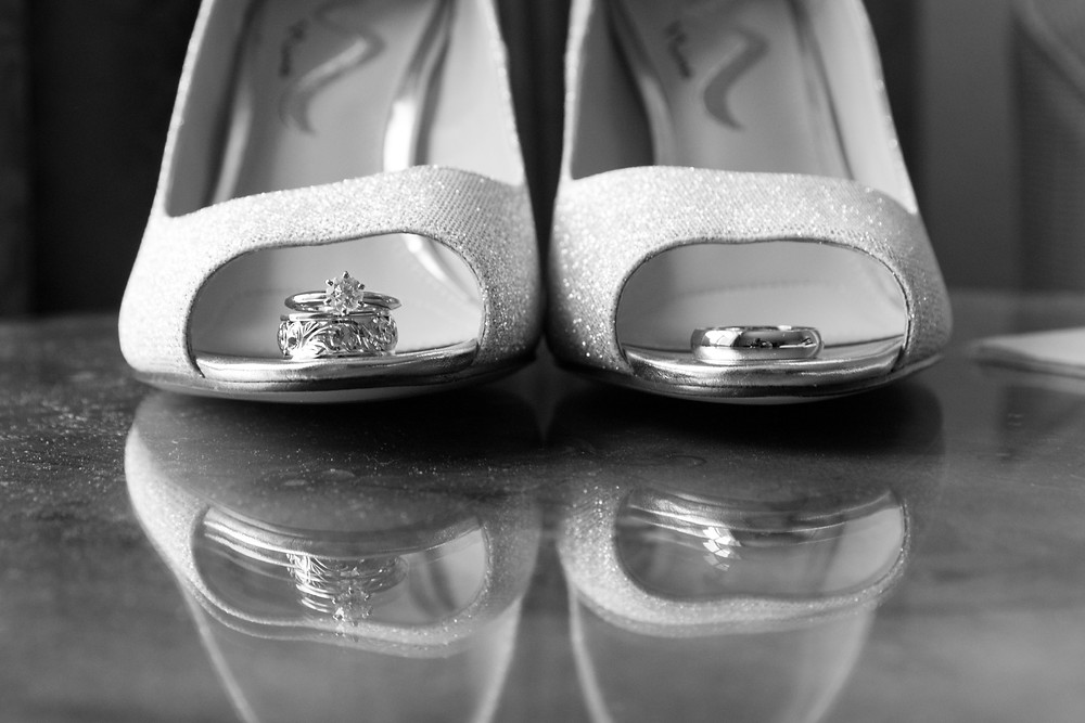 Hampton inn Williamsville bride getting ready details shoes