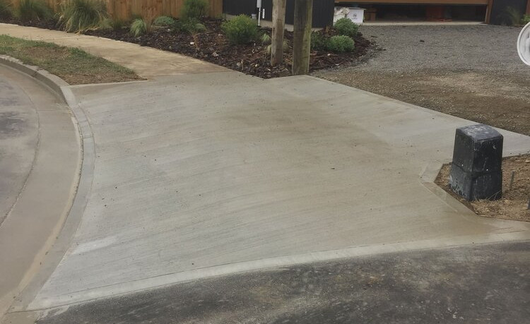 driveway by bayphil construction.jpg