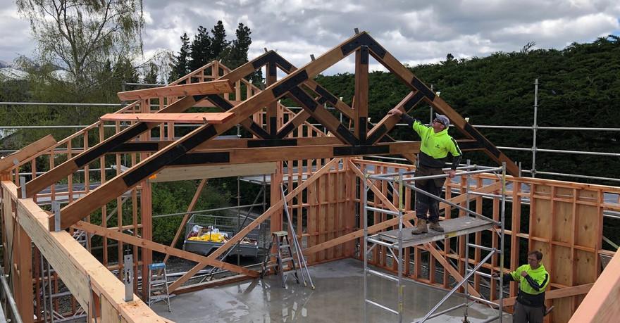 roof going up bayphl.jpg