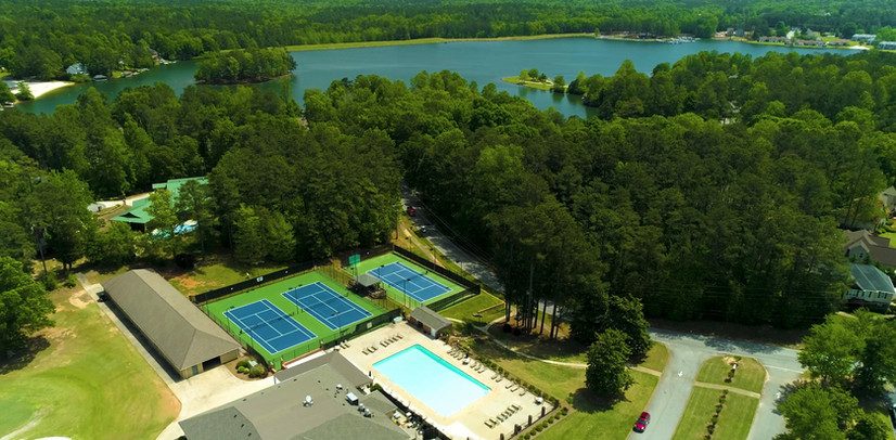 Country Club with pool and tennis