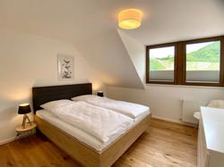 Schlafzimmer mit Burgblick