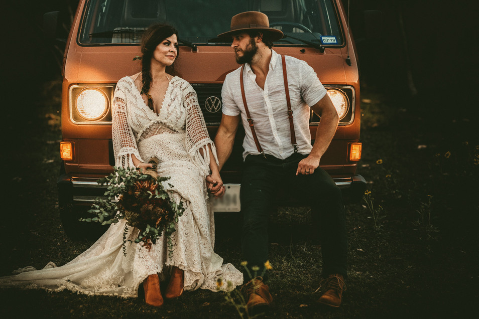 Beautiful%20elopement%20in%20Texas%20Hil