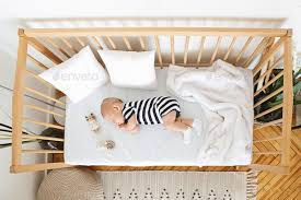 lit bébé.jpg