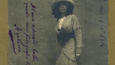 Homenaje de la Fundación Ezequiel Martínez Estrada a Agustina Morriconi