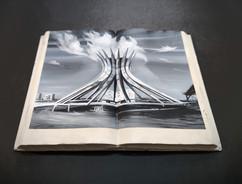 Livro de Pedra. Brasília Catedral. 2020