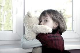 img.alberta-child-scared-family-divorce.