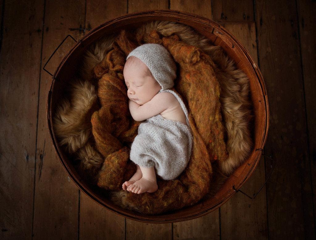 tranquil-sleeping-baby-jo-frances-newbor