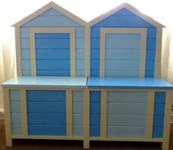Beach Hut Bench