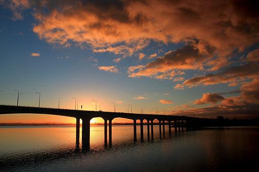 Mangere Bridge.jpg