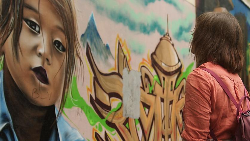 fresque murale street art extrait film LITTLE RED DOOR, paris