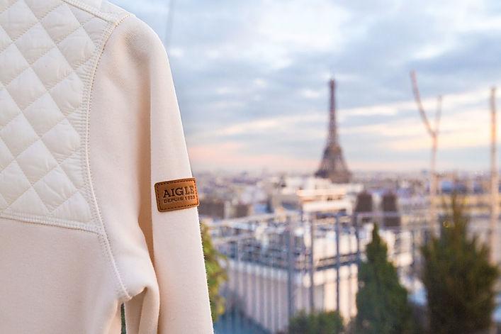 vêtements AIGLE sur un rooftop parisien
