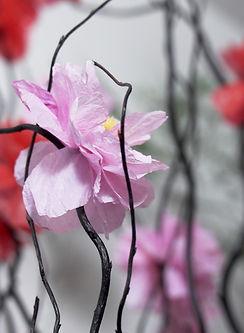 Fleurs en matière première recyclée, crée par William Amor