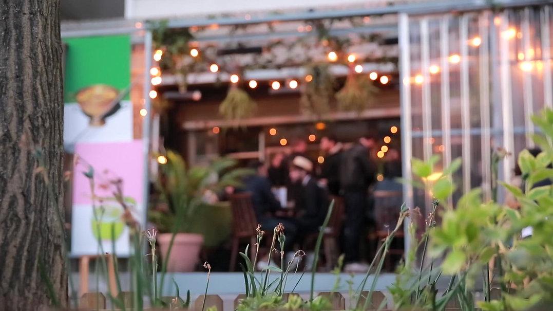 LE COMMUNE PUNCH BAR présente sa nouvelle carte de cocktails. Soirée de festivités avec les partenaires du bar à cocktail parmi les meilleurs du monde