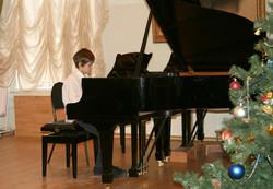 Игорь-Р-за-роялем