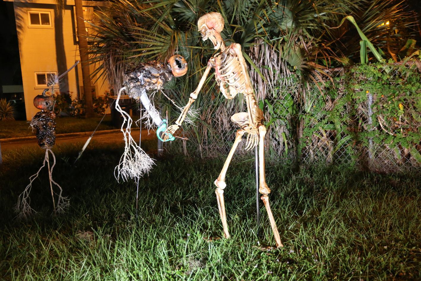 Skeleton gets a pumpkin man