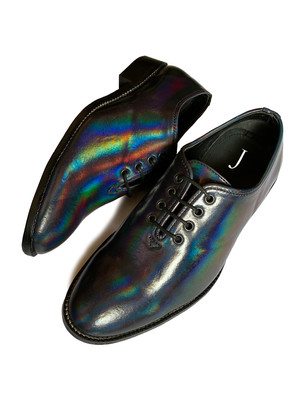 Holographic effect shoes with a leather sole