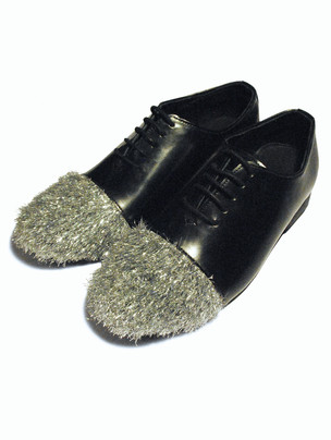 Smooth leather shoes with Metallic fur toecap