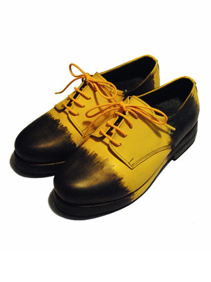 Matte Yellow leather shoes with Handpainted design