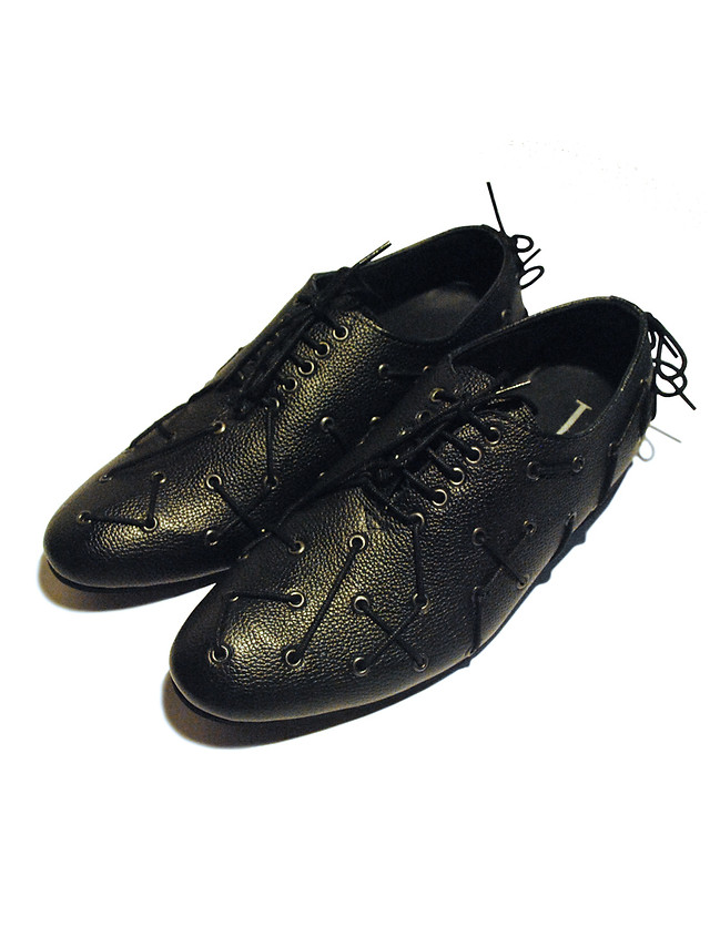 Grain Leather shoes with Eyelet design