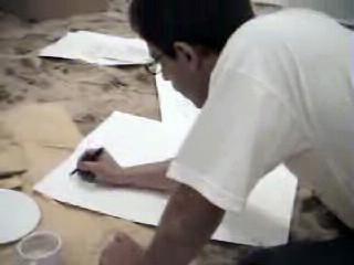 100% invendu 14 décembre 2004 Villa des Arts de Casablanca Performance : téléviseur recouvert d'adhésif doré, sable fin, palmiers imprimés sur tee shirt, nourriture, le chat Victor, page blanche dans le catalogue de l'exposition, autocollants, une heure en huis clos et mise au point avec le public.