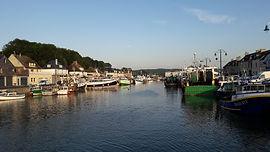 port-en-bessin-3216703_1920.jpg