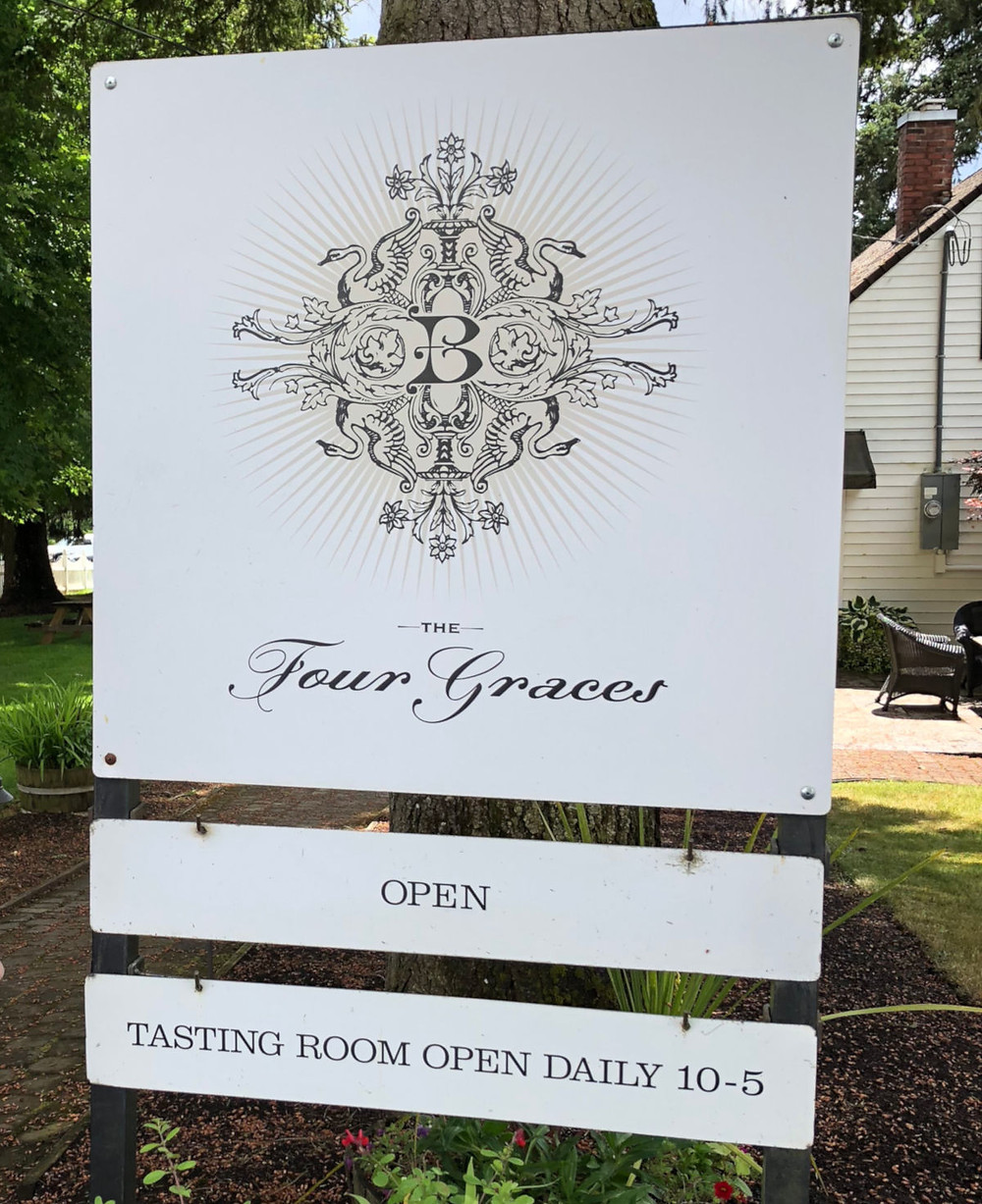 Four Graces tasting room in Willamette Valley | commongrape.com