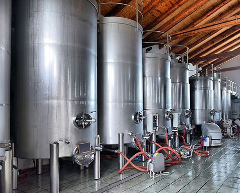 stainless_steel_wine_tanks.jpg