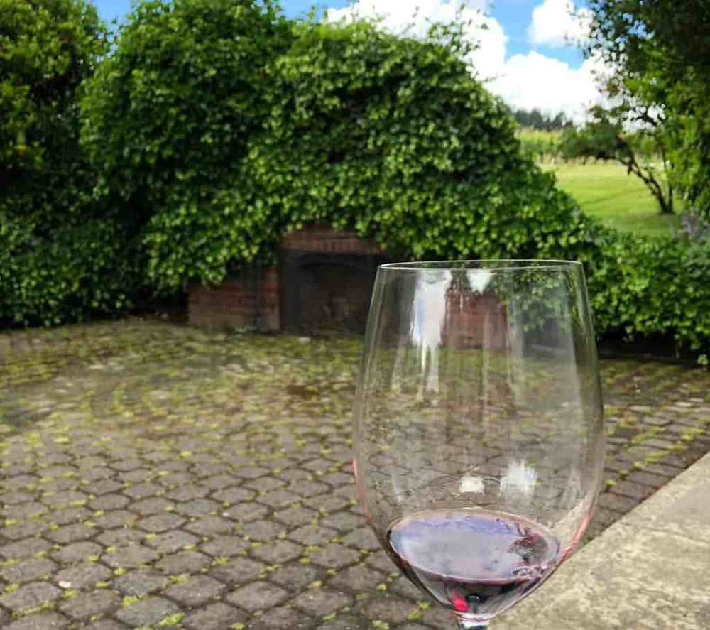 Pinot Noir on the patio at Four Graces in Willamette Valley Oregon | commongrape.com