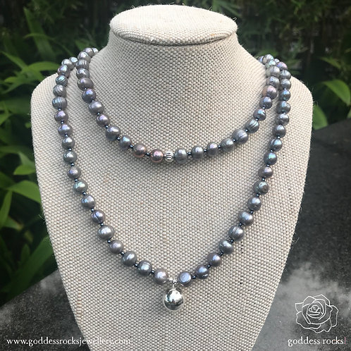 Necklace - Dark Silver Freshwater Pearl, 925 Silver with metalic grey
