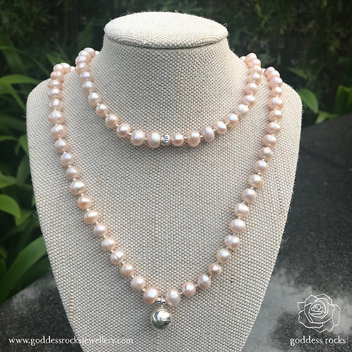Necklace - Peach Freshwater Pearl, 925 Silver with gold
