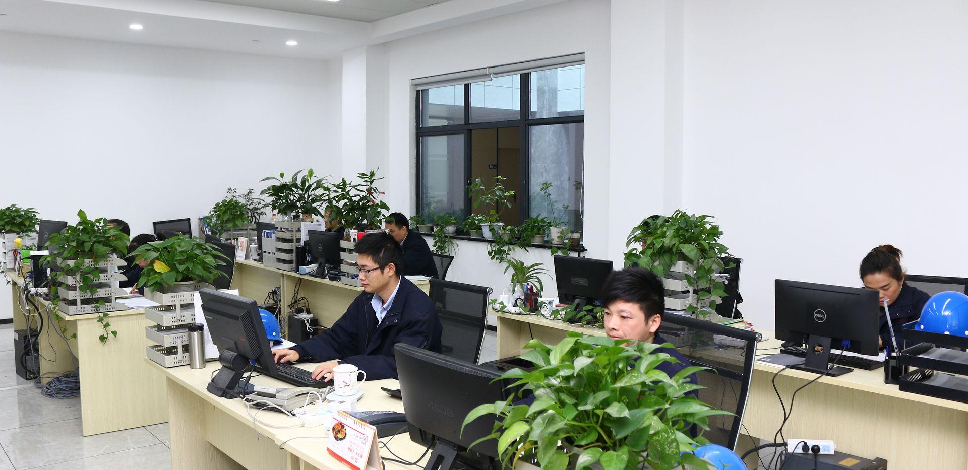 办公室环境 (2).JPG