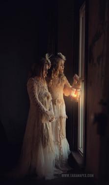 both lantern window wm