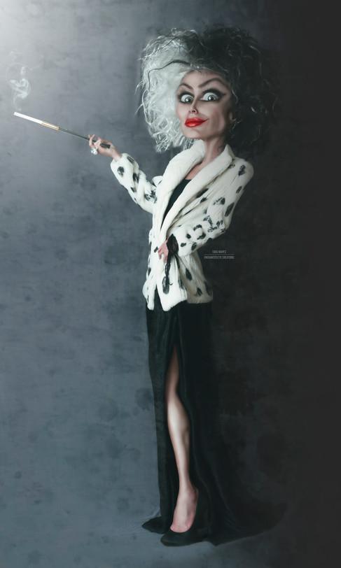 Cruella standing 2