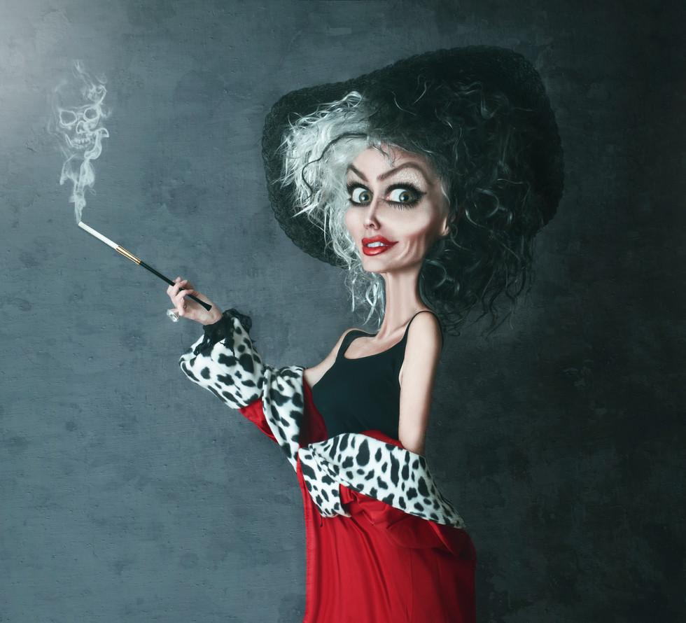 Cruella standing side