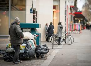 En 2018, cinq cent soixante-six SDF sont morts dans les rues en France